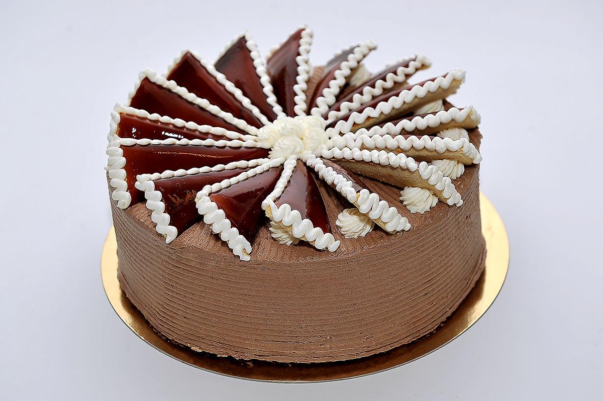 dobos torta képek Rakott Dobos torta – Magda Cukrászda dobos torta képek