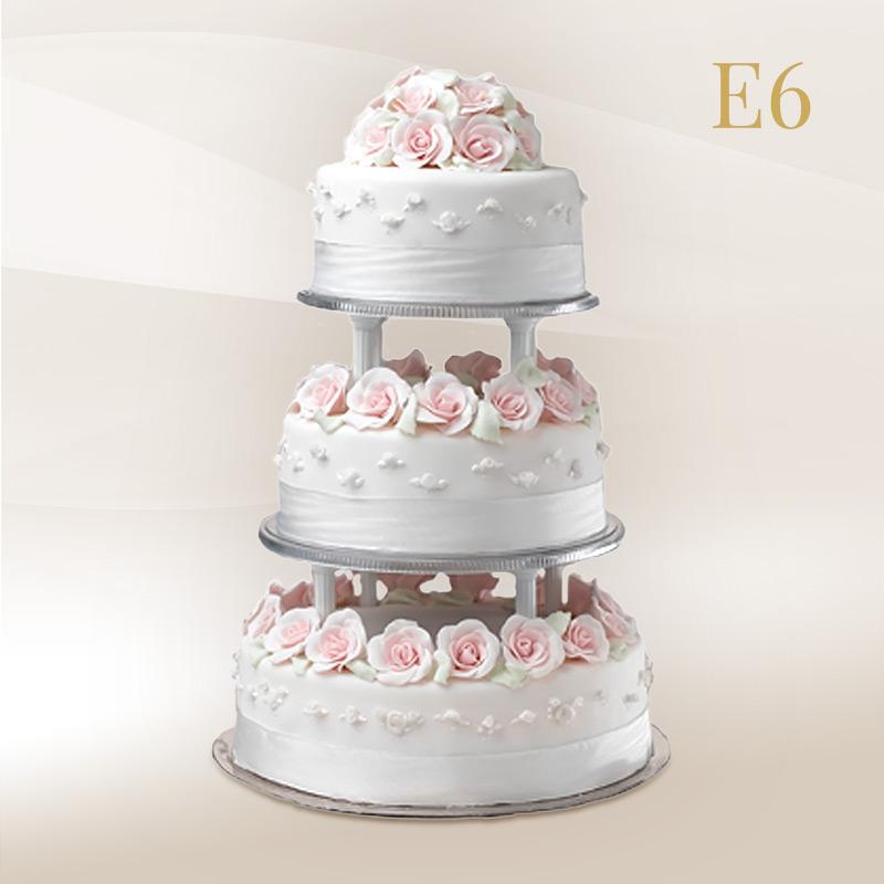 állványos esküvői torta ÁLLVÁNYOS ESKÜVŐI TORTÁK – Magda Cukrászda állványos esküvői torta